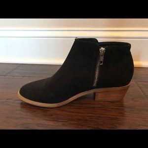 H & M Black Booties (7.5)